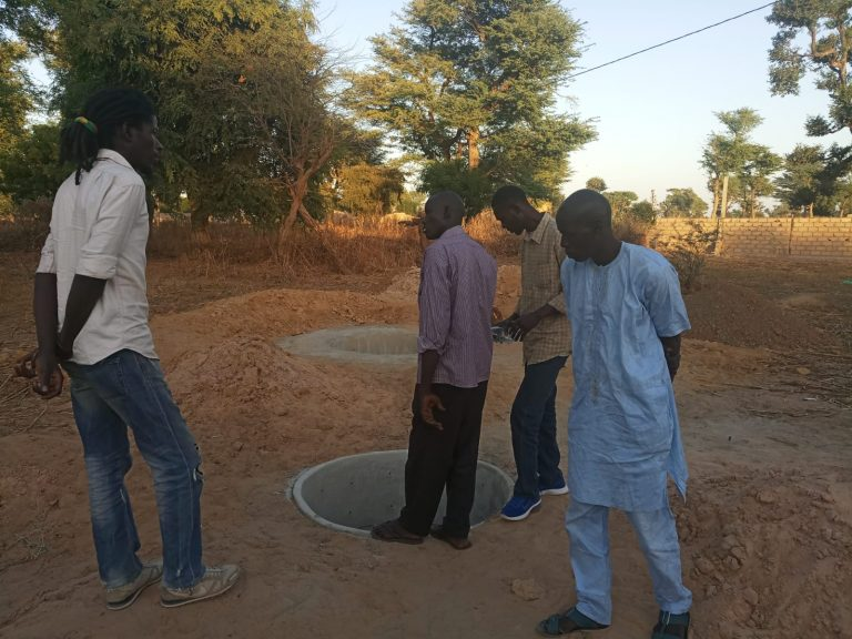 puits cour ecole 10 decembre